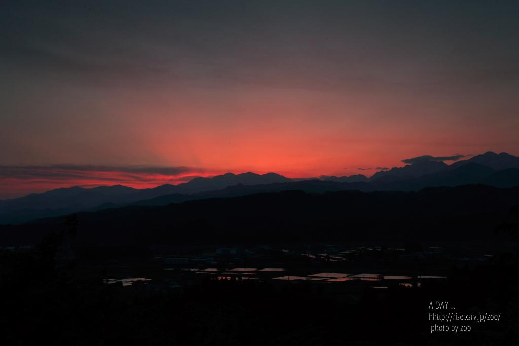 立山山麓の夜明け