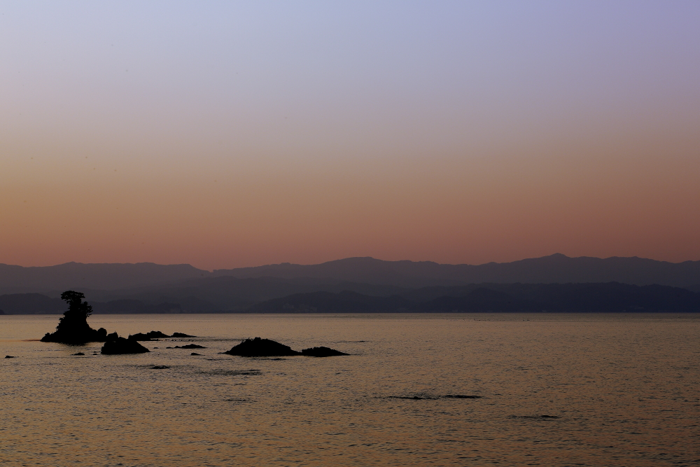 夕方の雨晴海岸