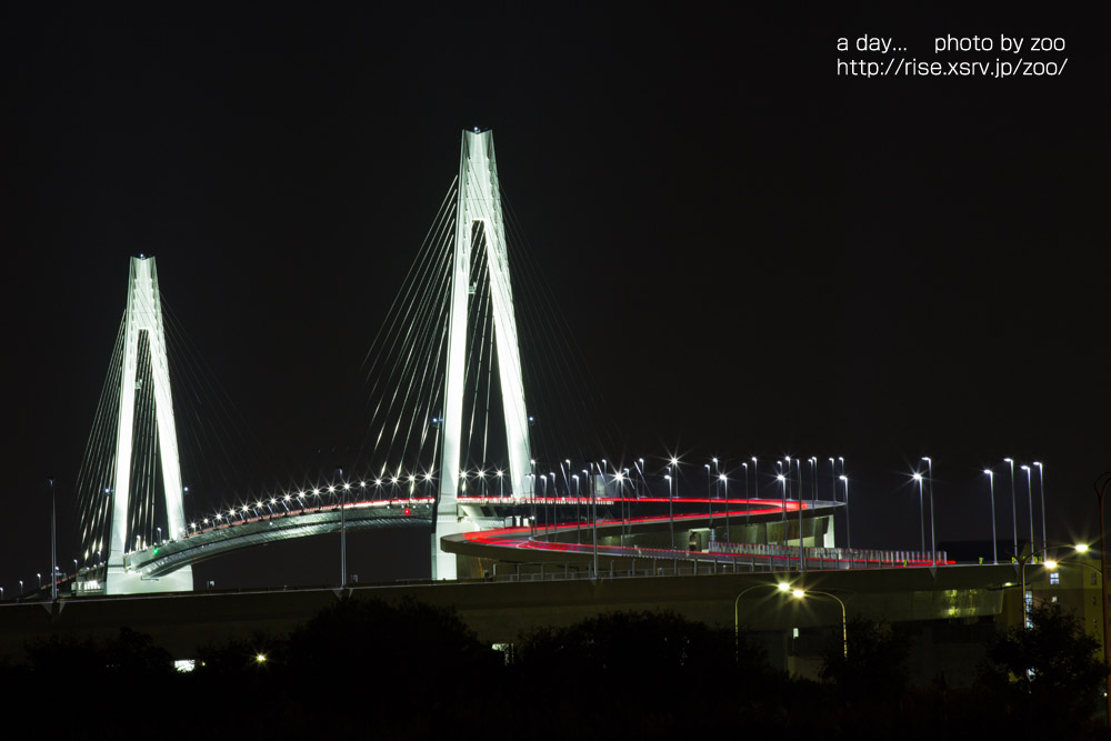 新湊大橋ライトアップ