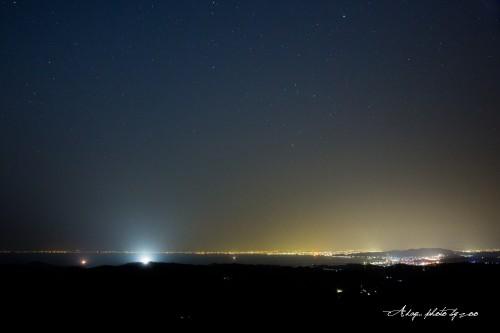 富山湾の夜景と星空